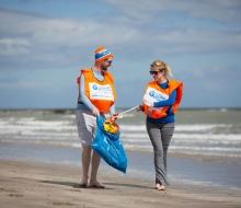 Coca-Cola-Clean-Coasts-Week-Launch-2016-6th-to-15th-May--Beach-Cleans,-Yoga,-Open-Air-Cinema,-Talks-(7)